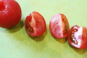 enthäutete Tomaten